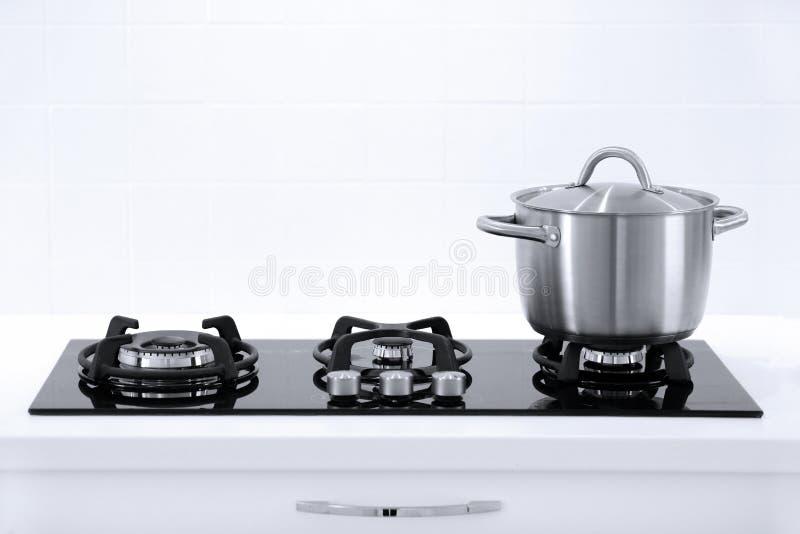 Garnek w kuchni obraz royalty free