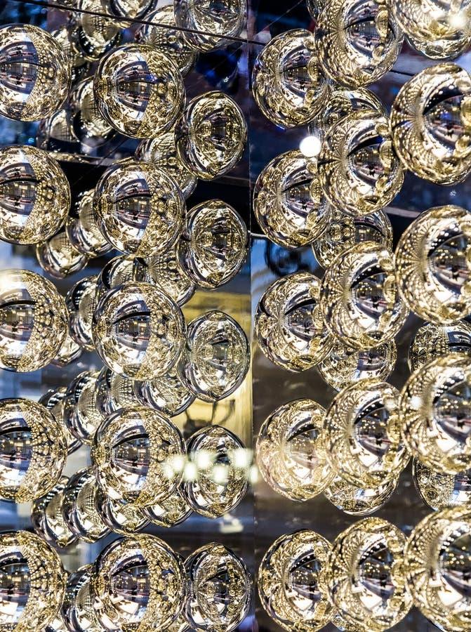 Garnering för bakgrund för metallbollar abstrakt arkivbild