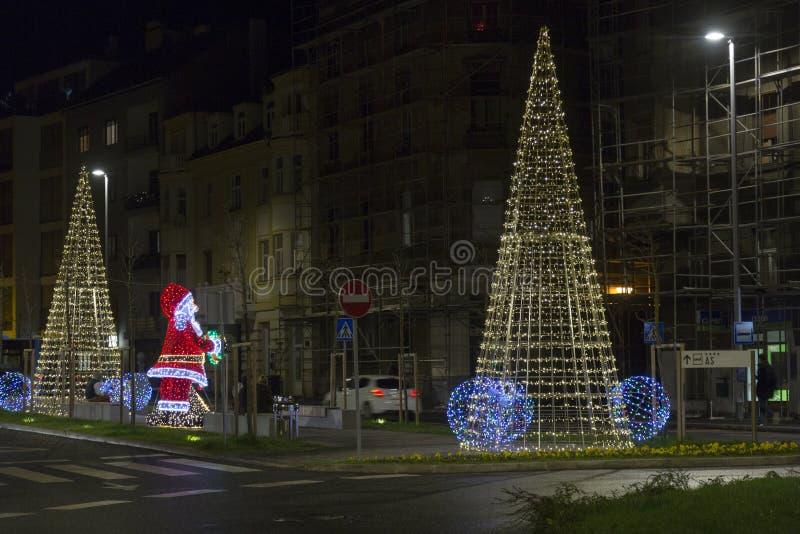 Garnering för Xmas och för nytt år i Zagreb, Kroatien arkivbilder