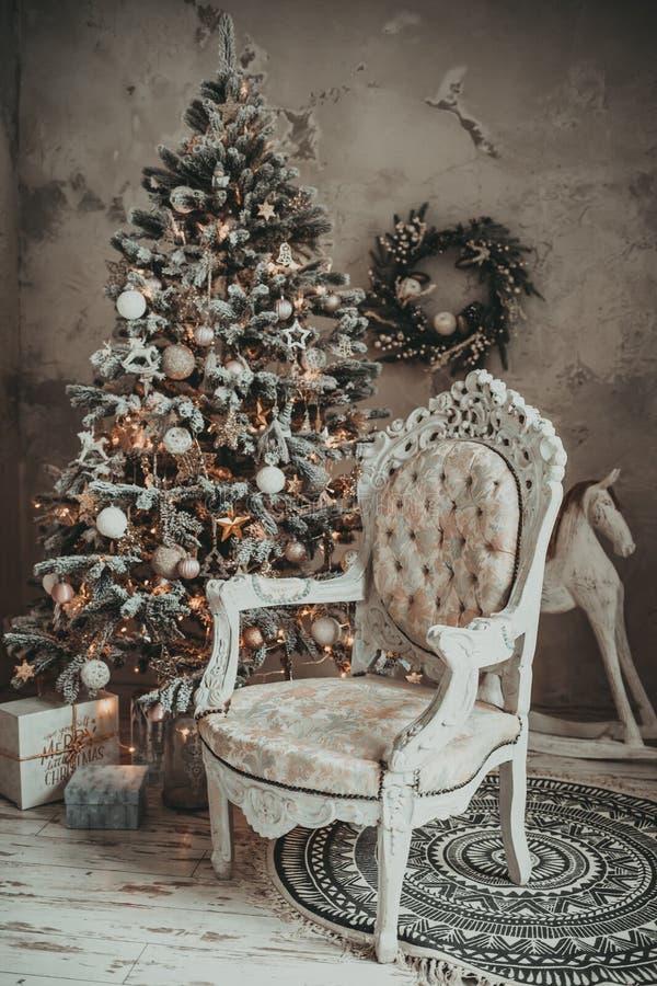 Garneringar för julferietappning arkivbilder