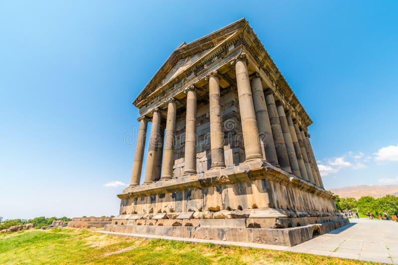 Garni寺庙在晴朗的天气,科泰克省,亚美尼亚的 免版税库存图片