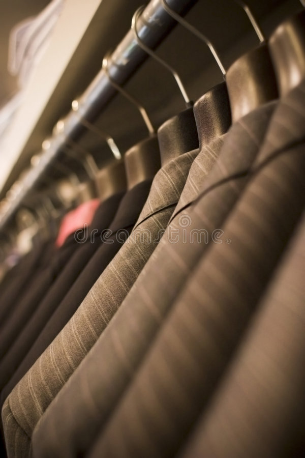 garnitury powiesić