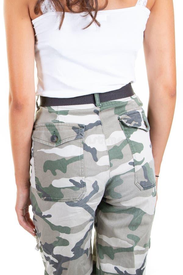 Garota nádegas em camuflagem calça mulher retrovisor fotografia de stock royalty free