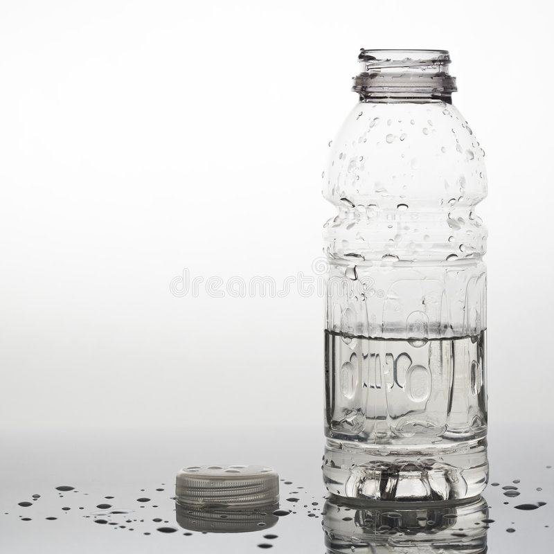 Garrafa de água aberta fotos de stock royalty free