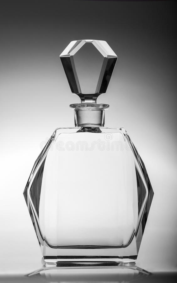Garrafa de cristal vazia - filtro fotos de stock