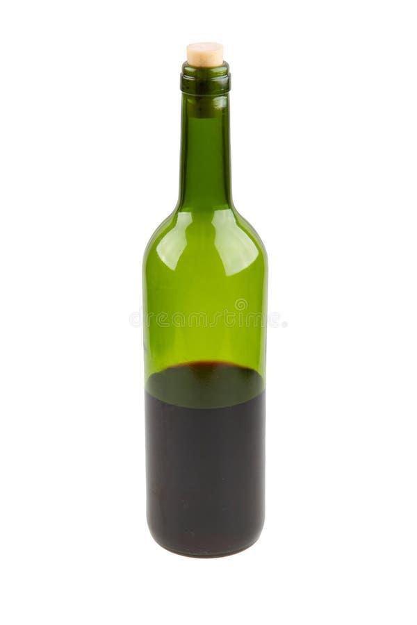 Garrafa de vinho tinto meio vazia fotografia de stock
