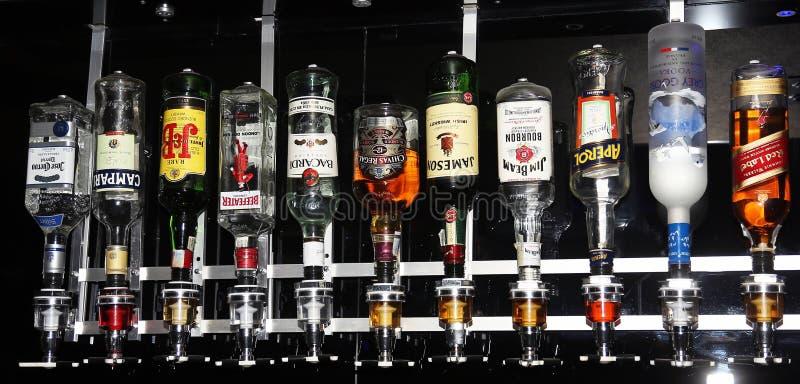 Garrafas das bebidas fotos de stock royalty free