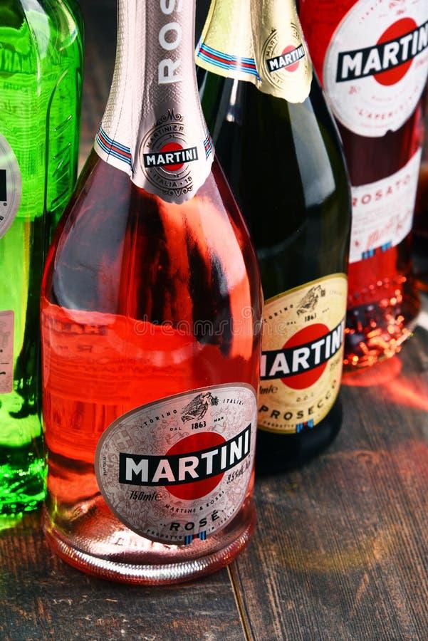 Garrafas de Martini, vermute italiano famoso imagens de stock royalty free