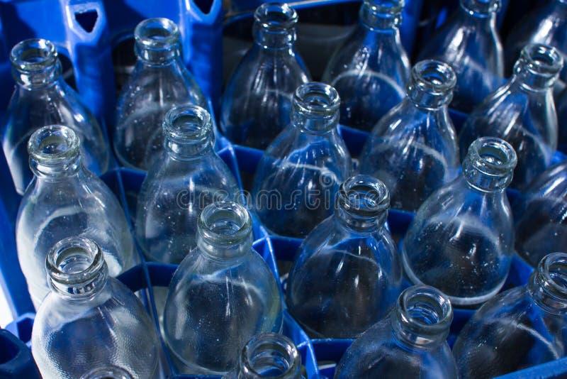 Garrafas de vidro vazias imagem de stock royalty free