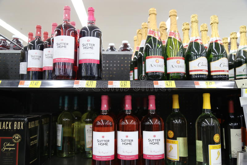 Garrafas do vinho fotografia de stock
