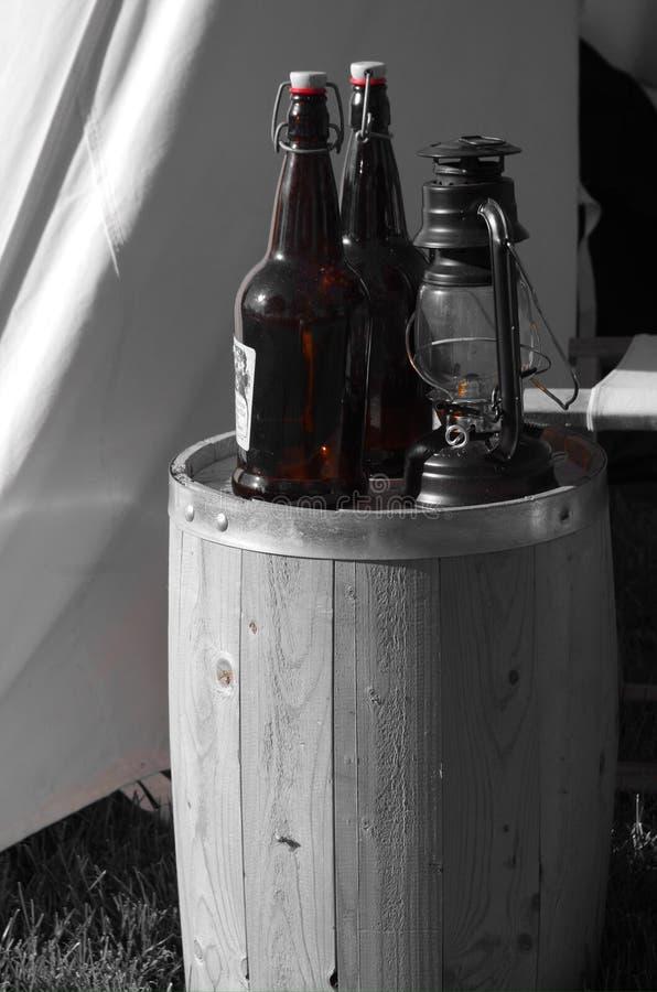 Garrafas e tambor imagem de stock