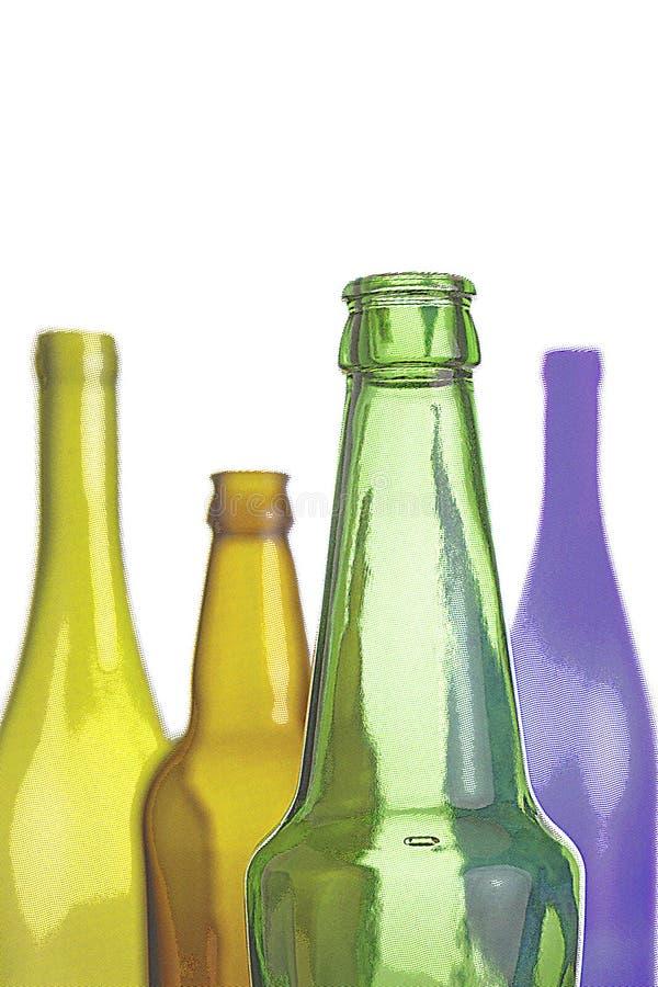 Garrafas vazias do vinho e de cerveja isoladas no branco foto de stock