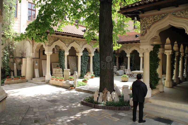 Garten der Kloster-Kirche Biserica Mănăstirii Stavropoleos Stavropoleos, Bucarest lizenzfreies stockfoto