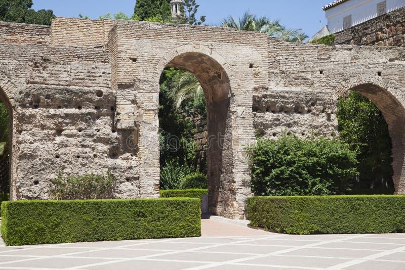 Garten des Alcazarpalastes stockbilder