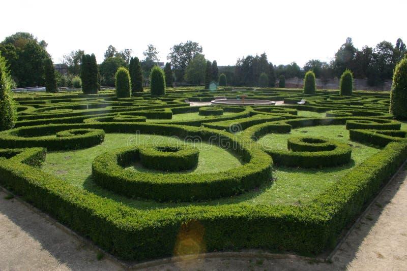 Garten des Schlosses in Bucovice lizenzfreie stockbilder