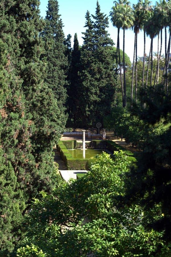 Garten im Alcazar-Palast stockfotografie