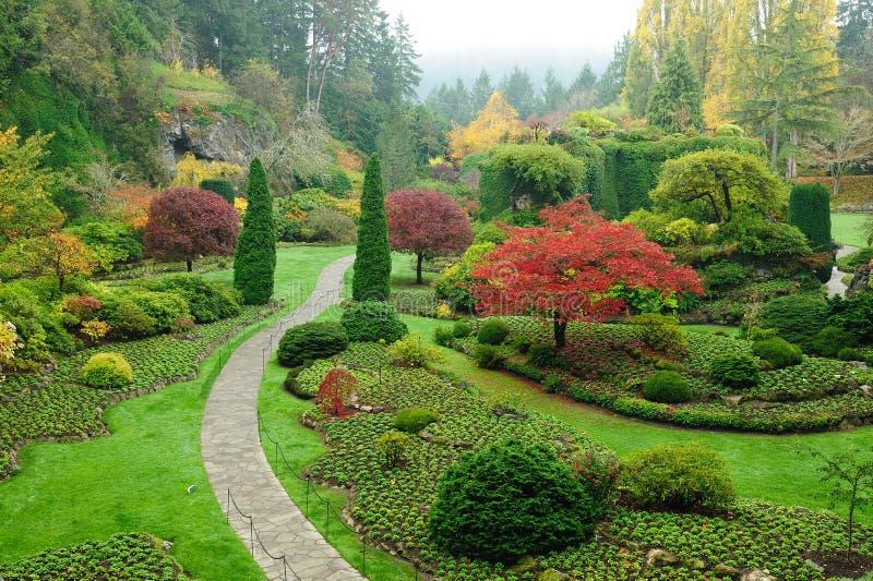 Garten im Herbst lizenzfreie stockfotos