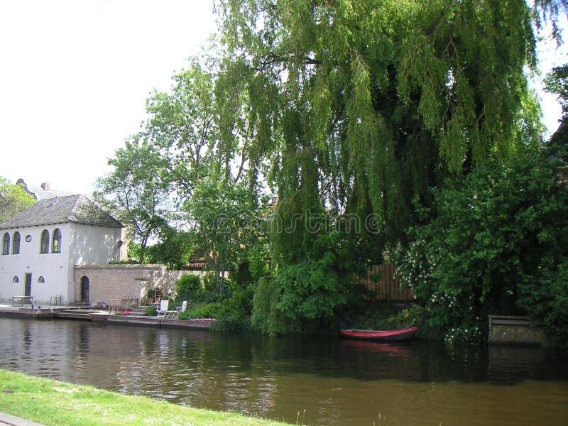 Garten am Kanal stockfoto