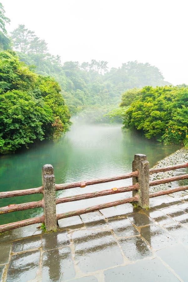 Garten-Park an Cheonjiyeon-Wasserfällen in Jeju-Insel stockbild