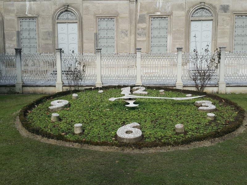 Garten-Uhr lizenzfreies stockfoto