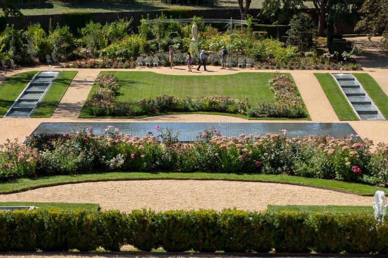 Garten von Chateau-DES Milandes, ein Schloss im Dordogne, stockfotografie