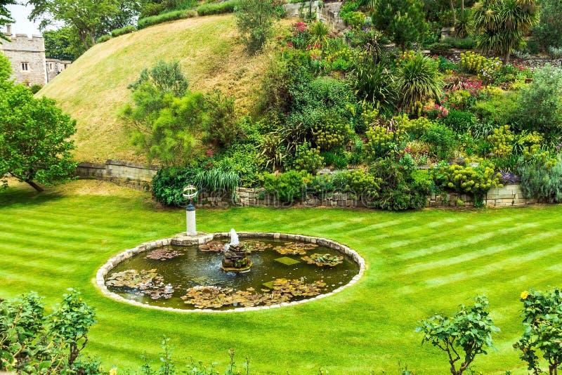 Garten in Windsor Castle nahe Edward-Turm stockfotografie