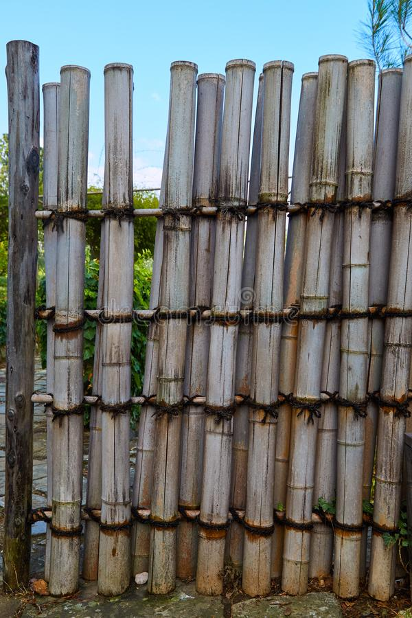 Gartenbambuszaun lizenzfreie stockbilder