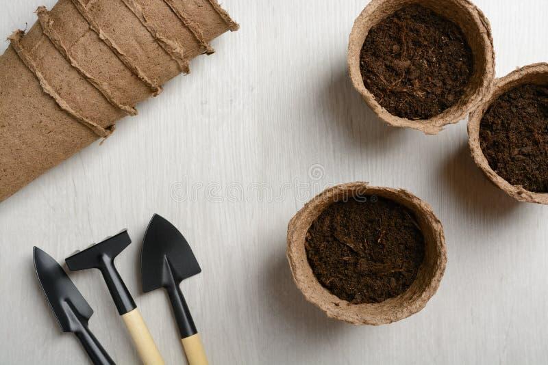 Gartenhilfsmittel für das Pflanzen lizenzfreie stockbilder