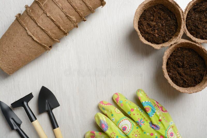 Gartenhilfsmittel für das Pflanzen stockfotos