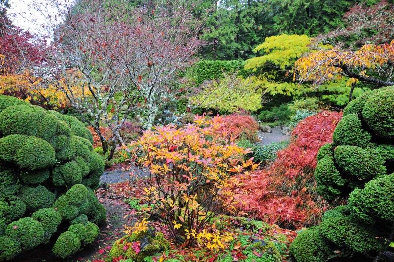 Gartenlandschaftsgestaltung lizenzfreie stockbilder