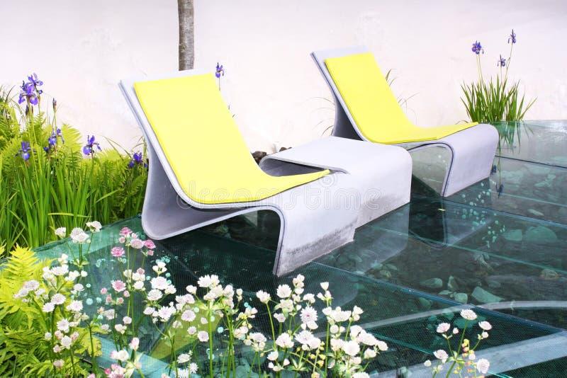 Gartensitze lizenzfreie stockfotografie