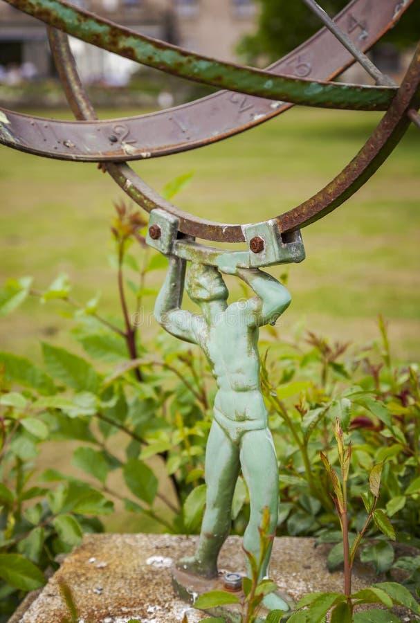 Gartensonnenskala lizenzfreie stockfotos