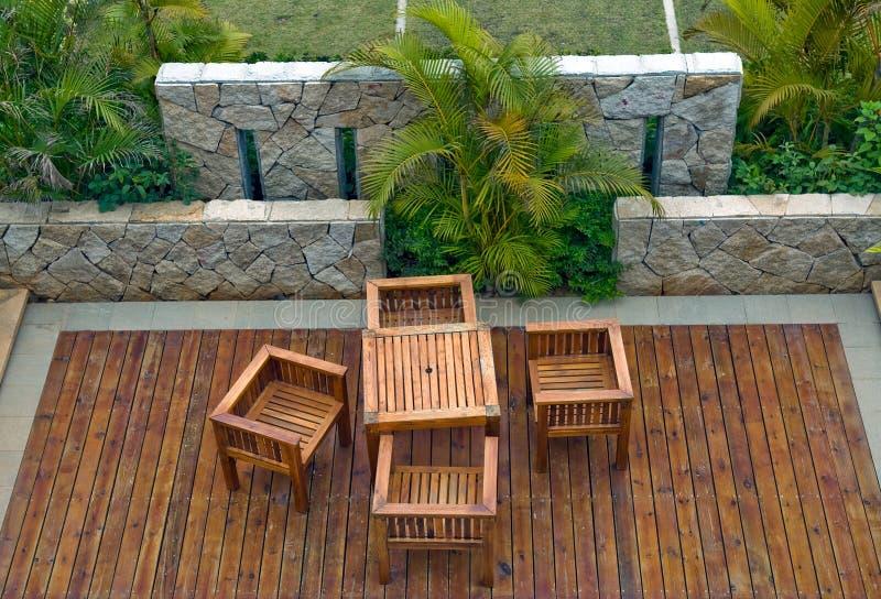 Gartenstühle stockbilder