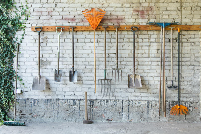 Gartenwerkzeuge lizenzfreie stockbilder