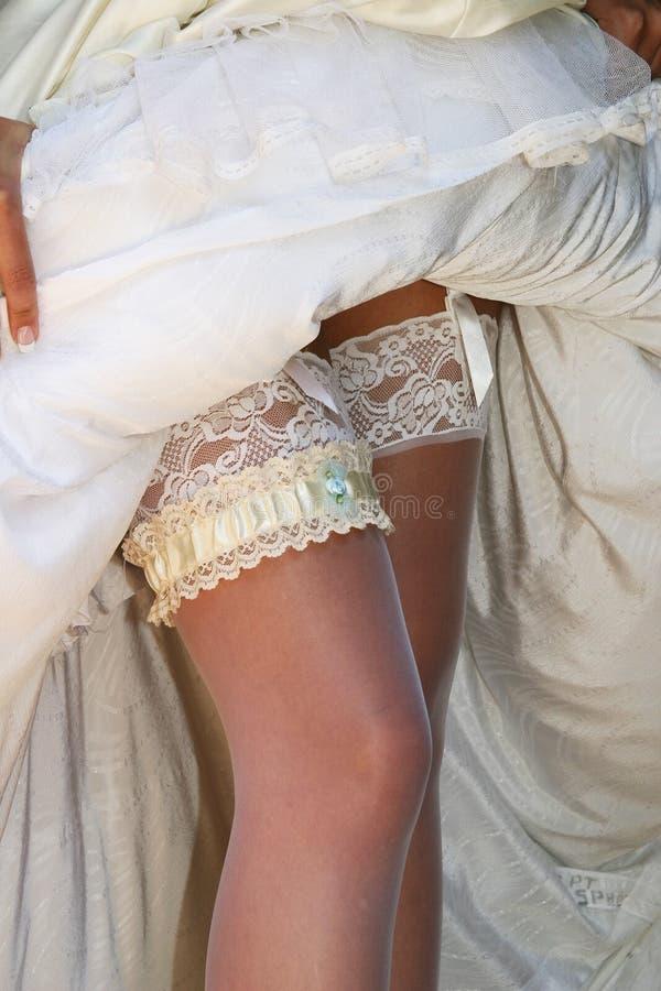 Download Garter γυναικείες κάλτσες στοκ εικόνες. εικόνα από φόρεμα - 106786