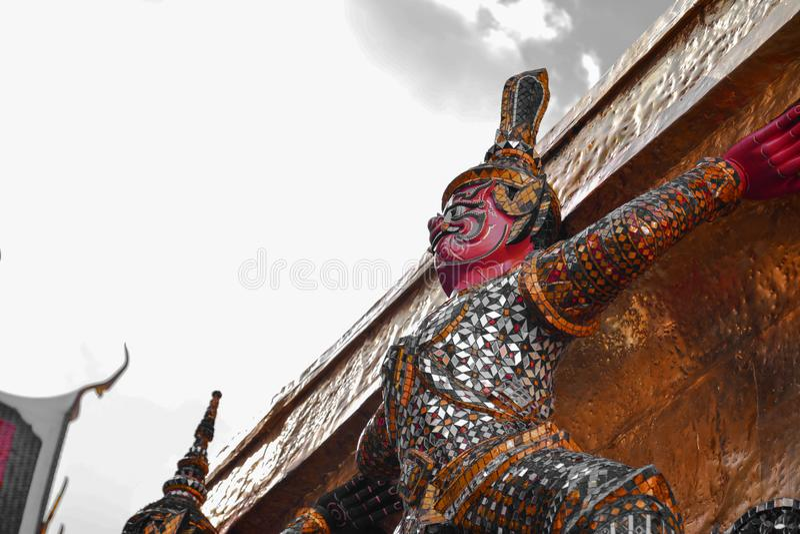 Garuda с виском Таиландом, буддизмом стоковое фото rf
