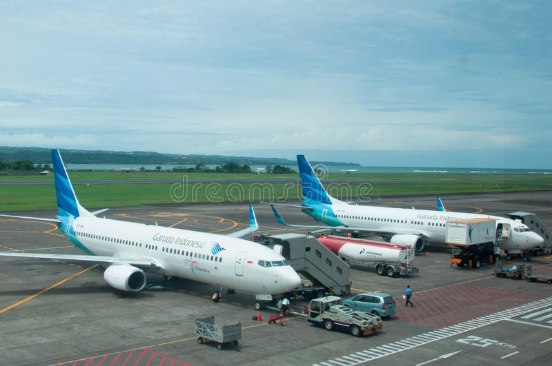 Download Garuda Indonesia editorial photo. Image of refueling - 18401831