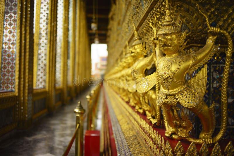 Garuda in Wat Prakaew lizenzfreies stockfoto