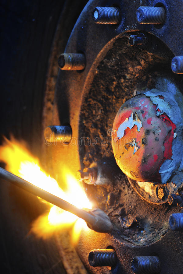 Download Gas cutting, Oxy-acetylene stock image. Image of cutting - 26161875
