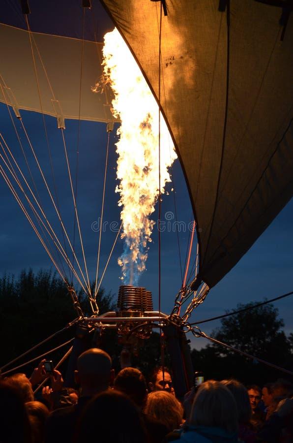 Gas di brillamento della mongolfiera fotografie stock libere da diritti