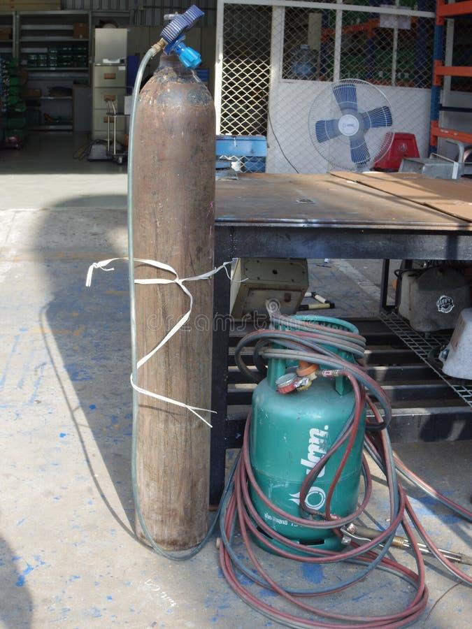 Gas- und Sauerstoffrohr für Stahlschweißen stockfotos