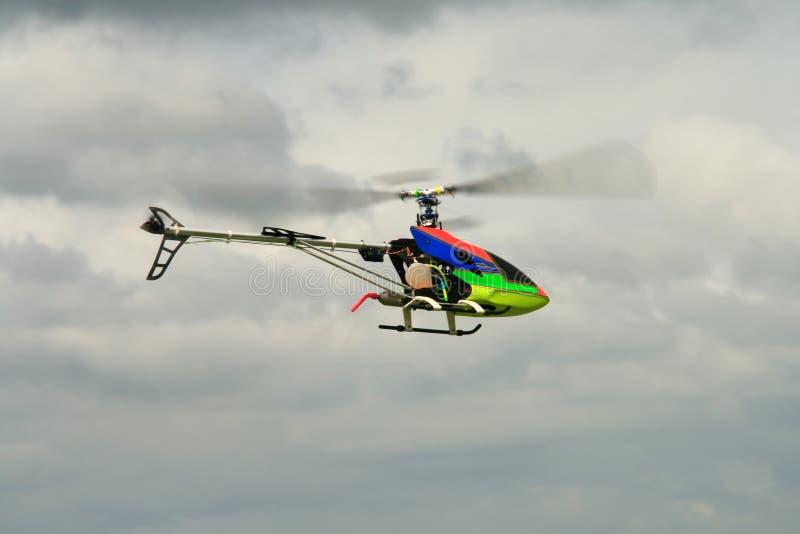 Gas van brandstof voorzien stuk speelgoed helikopter stock foto's