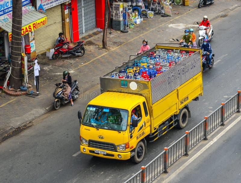 Gasflessengashouder op de vrachtwagen royalty-vrije stock afbeeldingen