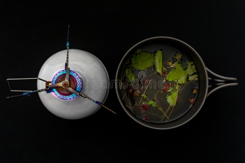 Gasfornuis en een bowlingspelerhoed stock fotografie