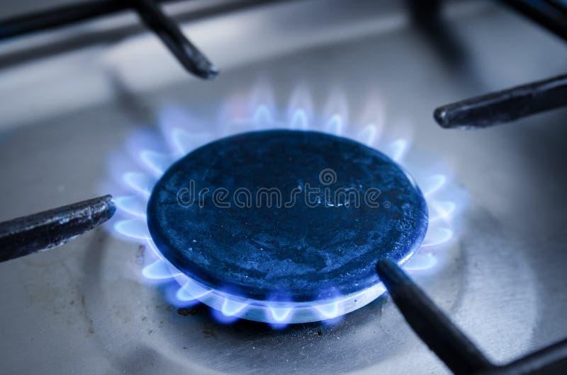 Gasfornuis met het branden van gas stock afbeeldingen