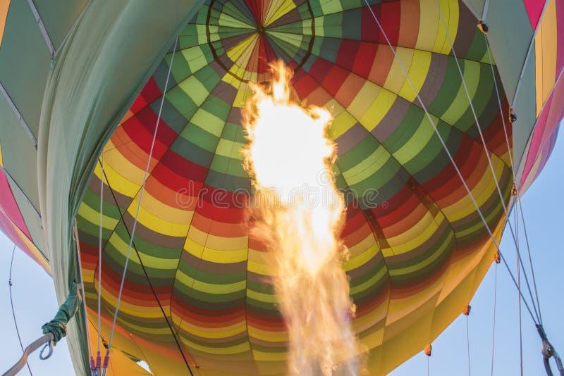 Gasgasbrännare av en ballong för varm luft arkivfoto