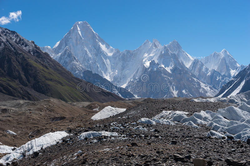 Gasherbrum masywu góra z wiele szczyt, K2 wędrówka fotografia royalty free