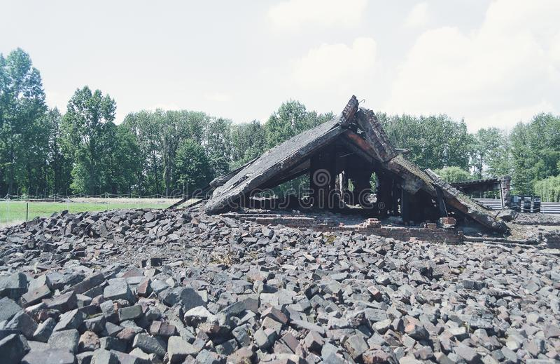 Gaskammaren fördärvar, Auschwitz Birkenau, koncentrationsläger poland royaltyfria bilder