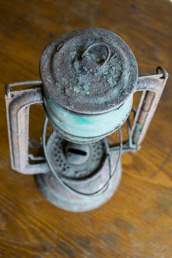Gaslampenrost, sehr alt und verwendet stockbilder