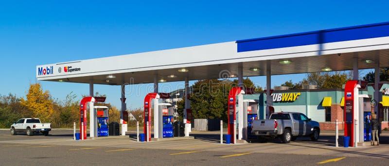 Gasolinera de Mobil foto de archivo libre de regalías